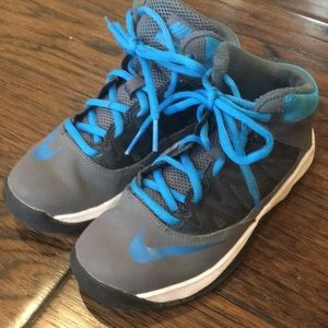 Boys Nike Basketball Stutter Step Shoes size 13c
